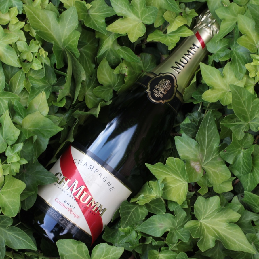 G.H. Mumm Brut Cordon Rouge NV Champagne